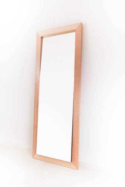 Incline Mirror