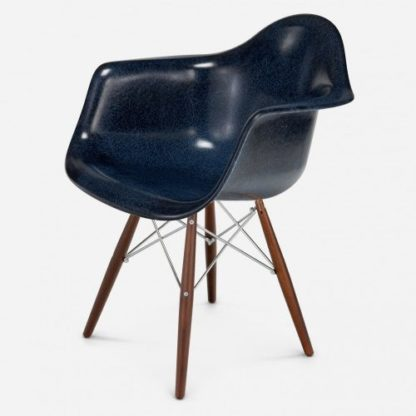 Modernica Arm Shell Dowel Leg Blue