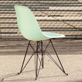 Modernica Eames Chair Eiffe