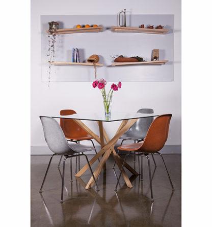 Pende Dining with Rake Shelves
